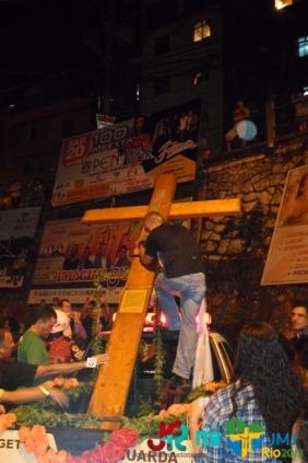 Cruz Peregrina da JMJ na Favela da Rocinha